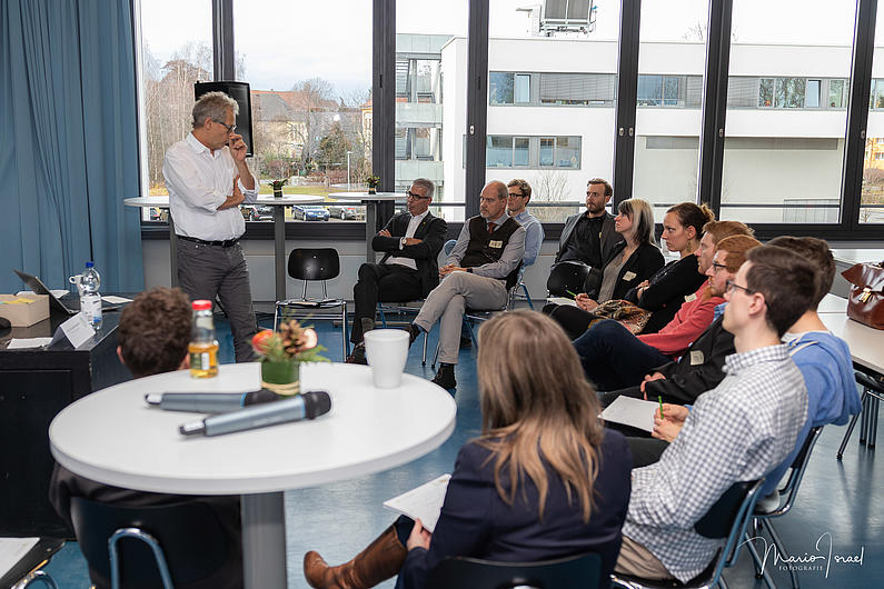 Intensive Gespräche in den 5 parallelen Workshops