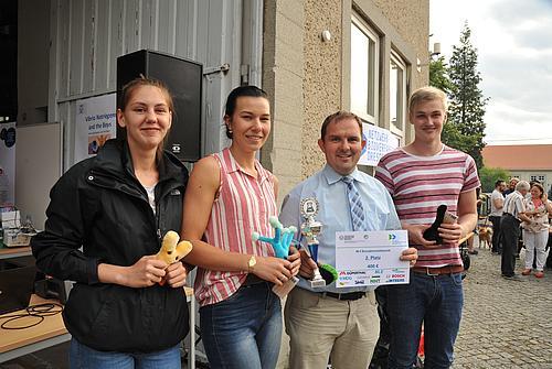 Biotechnologie Bachelor Studierende mit HSZG-Mitarbeiter