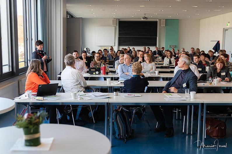 Prof. Dr. Jana Brauweiler stellt das Zittauer Modell der Integration vor